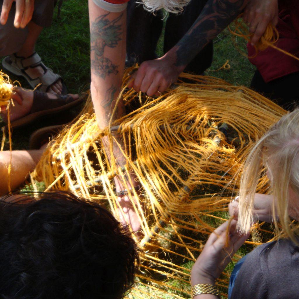 Kunstproject touw en takken